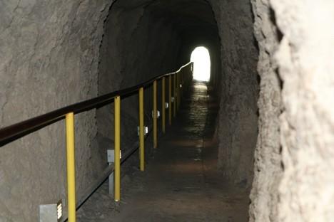 walking tunnel at diamond head